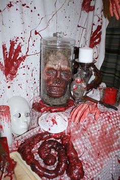 Comb's Asylum 2013~love the head in the jar!