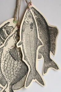 Trilogy of a fish - And me then in all that! - Ribambins * - - Trilogie d'un poisson – Et moi alors dans tout ça ! Trilogy of a fish Paper Art, Paper Crafts, Cardboard Crafts, Gcse Art, Art Plastique, Art Lessons, Art Projects, Drawings, Prints