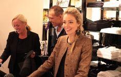 PAUW Amsterdam Spring Event ten bate van UNICEF Vrijdagavond 24 april staat bij #PauwAmsterdam in het teken van UNICEF, een avond waarin #mode en liefdadigheid samenkomen. #MadeleinePauw en UNICEF Ambassadrice #RenateVerbaan-#Gerschtanowitz organiseren deze avond het bijzondere PAUW Spring Event. PAUW ondersteunt UNICEF door voor elk aangekocht item die avond in deze vestiging van #PAUW 40% van het aankoopbedrag te doneren aan #UNICEF.