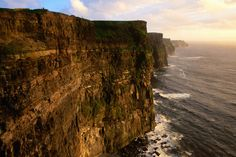 The gorgeous cliffs of Ireland between Doolin and Lahinch