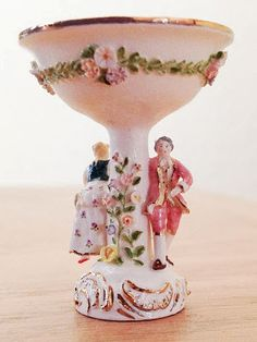 1:12th scale miniature porcelains by Jack Cashmere, of Cashmere's Collectables