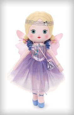 Fairy Ina loves art! Painting, drawing and sculpting...she loves being creative!