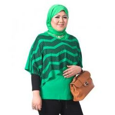 PLUS SIZE  ESTELLE HIJAU  Rp 194,900.00  warna: Hitam, Merah, Hijau, Ungu  II www.fashionbiz.co.id Turtle Neck, Plus Size, Sweaters, Fashion, La Mode, Pullover, Fashion Illustrations, Fashion Models, Shirts