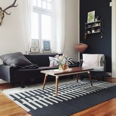 Some of you might have seen it already, we have a new carpet!! I got it from @urbanara and I love it! Hop over to the blog for more pictures and Details about it: www.craftifair.com ——— #interior #interiorlovers #urbanara #urbanaracarpet #myhome #livingroom #danish #scandinavian #vintage #stringpocket #darkwalls #rearranging #beautiful