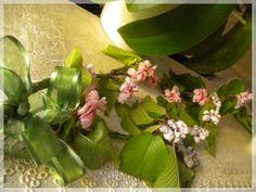 Sospeso trasparente: i colori della primavera, gli alberi, i fiori, i prati e i giardini. Fior di pesco e di ciliegio nel sospeso trasparente di Ketty Petti