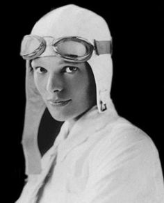 Amelia Earhart- the most famous of the early aviatrixes Amelia Earhart, Amelie, Famous Women, Famous People, Aviation Quotes, People Icon, Extraordinary People, Famous Faces, Old Pictures