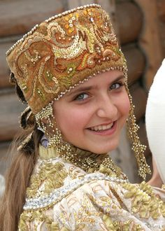 Россия: Russian traditional costumes