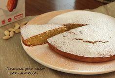 La Torta con latte di mandorla è una ricetta per un dolce facilissimo e veloce da preparare, soffice e squisita, ottima per colazione o merenda.
