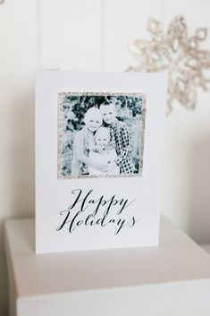 Hand Glittered Photo Cards by The TomKat Studio for @HGTV - FREE printable templates!