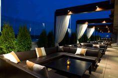 Whiskey Blue at W Atlanta Buckhead - Best Hotel Rooftop Bar Nominee: 2015 Readers' Choice Travel Awards (Top View Rooftop Bar) Hotel Rooftop Bar, Rooftop Terrace Design, Rooftop Lounge, Rooftop Garden, Terrace Ideas, Pergola Ideas, Restaurant Club, Terrace Restaurant, Restaurant Design