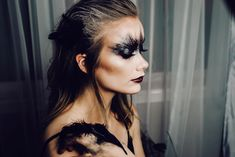 Makeup ideas Halloween – Great Make Up Ideas Halloween Make Up, Halloween Face Makeup, Black Swan, Instagram, Modeling, How To Make, Modeling Photography, Fashion Models, The Black Swan