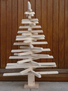 Christmas trees: the top 13 of the most original! Wooden Christmas Crafts, Coastal Christmas Decor, Christmas Tree Crafts, Christmas Makes, Homemade Christmas, Xmas Tree, Christmas Time, Merry Christmas, Christmas Ornaments