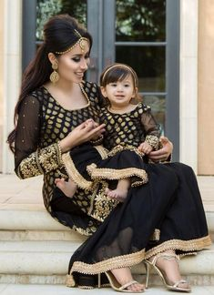 Matching outfits Matching dresses for mother and daughter, Party dresses for mot… - Herzlich willkommen Mom Daughter Matching Outfits, Mommy Daughter Dresses, Mom And Baby Dresses, Mother Daughter Fashion, Baby Girl Dress Patterns, Stylish Dresses For Girls, Mom Dress, Dresses Kids Girl, Girl Outfits