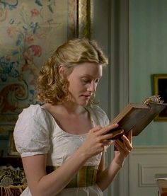 Romola Garai as Emma Woodhouse in Emma (TV Mini-Series, 2009).