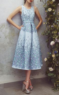 This Luisa Beccaria Floral Brocade A-Line Midi Dress features a textured floral design and wide pleat detailing.