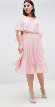 21 Plus Size Wedding Guest Dresses {with Sleeves} - Alexa Webb Plus Size Wedding Guest Dresses, How To Dress For A Wedding, Plus Size Dresses, Plus Size Outfits, Dress For Wedding Guest, Wedding Dresses For Curvy Women, Plus Size Gowns Formal, Stylish Plus Size Clothing, Plus Size Fashion For Women