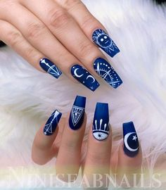 """Elegant navy blue nail colors and designs for a Super Elegant Look The most stunning wedding nail art designs for a real """"wow"""" - Wedding hairstyles Dark Blue Nails, Blue Glitter Nails, Blue Acrylic Nails, Matte Nails, Blue Nails Art, Silver Glitter, Pink Nails, Dark Nail Art, Stiletto Nails"""