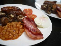 The Easiest Ever Full English Breakfast Easy Family Meals, Scrambled Eggs, Smoked Salmon, Recipe Of The Day, Slow Cooker Recipes, Bacon, Good Food, Toast, Brunch