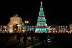 Iluminação de Natal de Lisboa já está ligada. Custou o dobro do ano passado