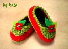 Apple crochet baby shoes