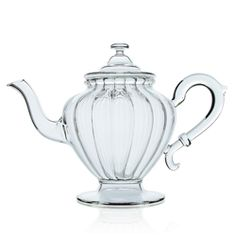 Hand-blown glass teapot, made in France, each teapot is unique and contains up to 0,8 l.