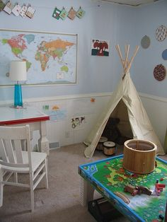 Cool little boy's room...