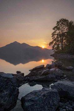 Traumhafter Ausblick beim Sonnenaufgang am Walchensee
