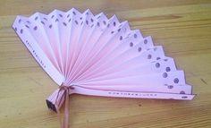 wedding-board-diy-fächer-hochzeit1 Korea Map, Spring Party, Vintage Stil, Hand Fan, Diy Wedding, Diy And Crafts, Life Hacks, Wedding Planning, Board