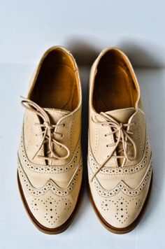 SALE Vintage Womens Beige Brogue Suede Oxfords Size 7 on Etsy, $50.00