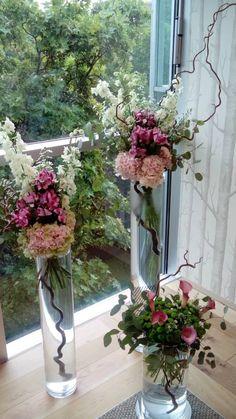 White delphinium, aster, pink hydrangea and calla lily by ROSMARINO / Bílé ostrožky, astry, růžové hortenzie a kaly