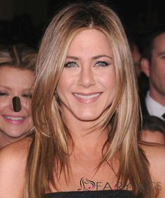 Jennifer Aniston Long Straight Casual Hairstyle – Light Caramel Brunette Hair Color with Light Blonde Highlights - Coiffure Sites Casual Hairstyles, Celebrity Hairstyles, Straight Hairstyles, Light Brunette, Brunette Hair, Medium Length Blonde, Light Blonde Highlights, Jennifer Aniston Hair, Short Layered Haircuts