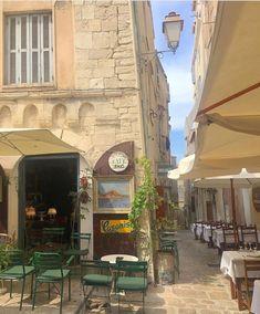 European Summer, Italian Summer, Living In Europe, Living In Italy, Summer Aesthetic, Travel Aesthetic, Summer Dream, Cottage, Northern Italy
