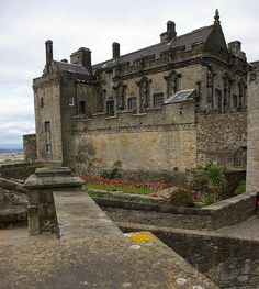 Stirling Castle in Stirling Scotland Scotland Castles, Scottish Castles, Oh The Places You'll Go, Places To Travel, Places To Visit, Castle Ruins, Medieval Castle, Stirling Castle, Sintra Portugal