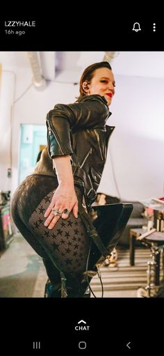 Lzzy Hale ✾ of Halestorm Heavy Metal Girl, Heavy Metal Music, Pretty Girl Images, Female Rock Stars, Rock Y Metal, Lzzy Hale, Hot Goth Girls, Women Of Rock, Guitar Girl