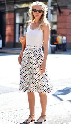 Saw a similar shorter version of this skirt at Old Navy. Really regretting not getting it.