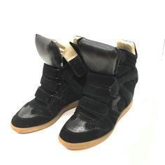 Title:Isabel Marant Suede Wedge Sneakers size 9 Price:$299.99 Item #:18217-27 Location: Buckhead To purchase call  770.390.0010 ex 1  #alexissuitcase #buckhead #atl #atlantaconsignment #thriftatl #resale #highenddesigner #consignment #luxury #designer #resaleatlanta #boutique #atlanta #fashioninspiration #shopmycloset #upscaleresale  #fashion #style #isabelmarant by alexissuitcase