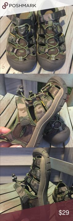 Boys Keen Camo Sport Sandals Size 1 Waterproof Boys Keen Camo Sport Sandals Size 1 EUC  Waterproof Worn once!! Keen Shoes Sandals & Flip Flops