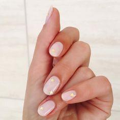 13 Nail Art Designs for Short Nails - Teen Vogue Minimalist Nails, Teen Vogue, Cute Nails, Pretty Nails, Gorgeous Nails, Hair And Nails, My Nails, Nails Inc, Nagellack Trends