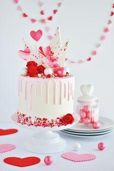 Valentine& Day Cake - Baking with Blondie, Raspberry Buttercream, White Chocolate Buttercream, White Chocolate Raspberry, Melting White Chocolate, White Chocolate Chips, Chocolate Candy Melts, Chocolate Bark, Chocolate Sprinkles, Valentines Day Cakes