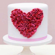 Hochzeitstorte rotes Herz