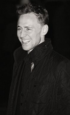 that nose-wrinkling smile is the most genuine Hiddles smile! :D At the Book of Mormon opening night, London, March 2013