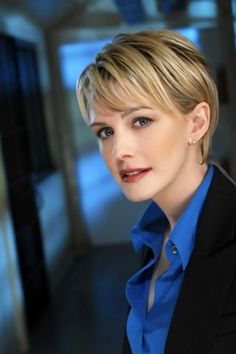 Kathryn Morris -Join thousands of members collecting stunning autographed celebrity pictures