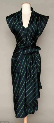 1940 dress.  I need to sport this now.