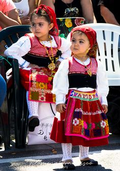 Portuguese Culture, My Heritage, People Of The World, Traditional Outfits, Cute Kids, Harajuku, Folk, Costumes, Children