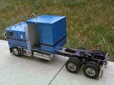 Kenworth K-100 Cabover Moving Truck