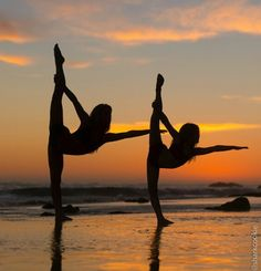 New Photography Dance Poses Dancers Ideas Dance Photo Shoot, Dance Photos, Dance Pictures, Beach Pictures, Dance Picture Poses, Beach Pics, Dance Moms, Just Dance, Tumblr Ballet