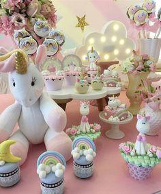 Muita fofura junta ☁ #festejandoemcasa #unicorniofestejandoemcasa #FestaUnicornio Regrann @crissreis