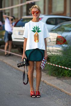 Natalie Joos opts for a cheerful take on the graphic tee // #Fashion #StreetStyle