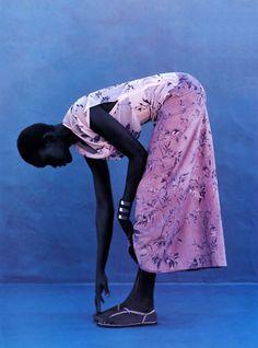 thedoppelganger:  2nd SkinMagazine: Elle US March 1999Photographer: Gilles BensimonModel: Alek Wek