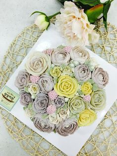 bean-paste flowers on a basket shaped rice cake made by a student   www.moroocake.com #flowercake #buttercreamflowers #floralcake #basket-cake #앙금플라워케이크 #떡케이크 #강서구케이크공방 #버터크림플라워케이크 #앙금떡케이크 #앙금플라워떡케이크 #모루케이크